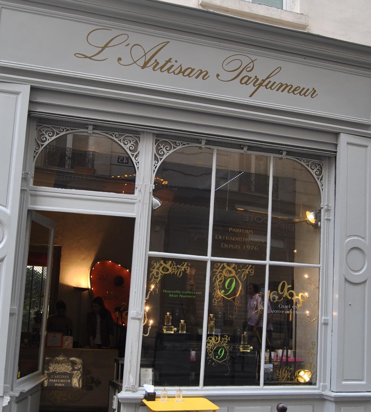 l 39 artisan parfumeur marais my parisian lifemy parisian life. Black Bedroom Furniture Sets. Home Design Ideas