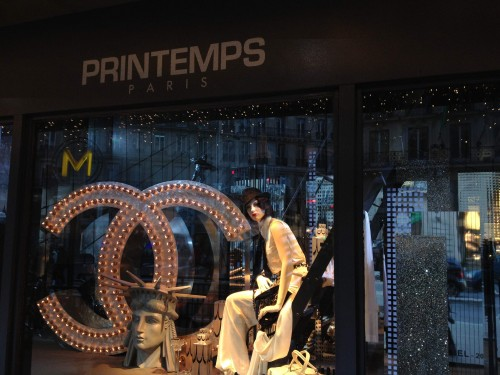 Printemps Window display - Chanel