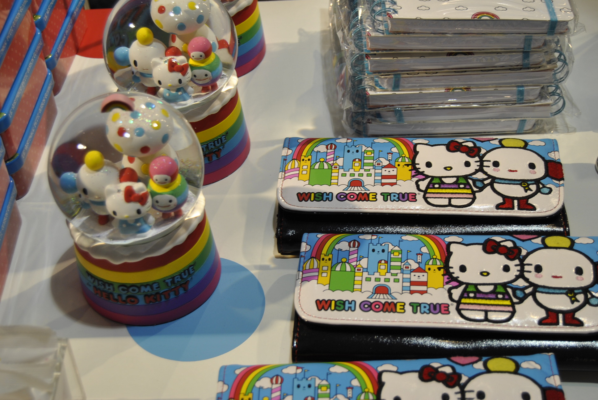 colette carnival hello kitty paris