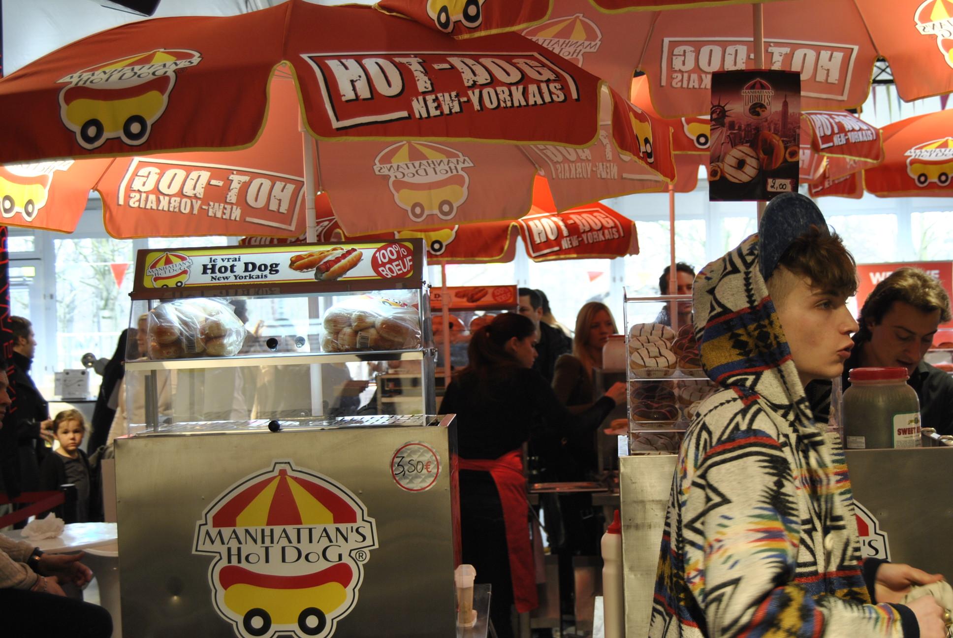 colette carnival hot dog stand