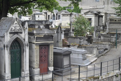 Montmartre Cemetery photos