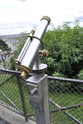Telescope Paris sacre couer
