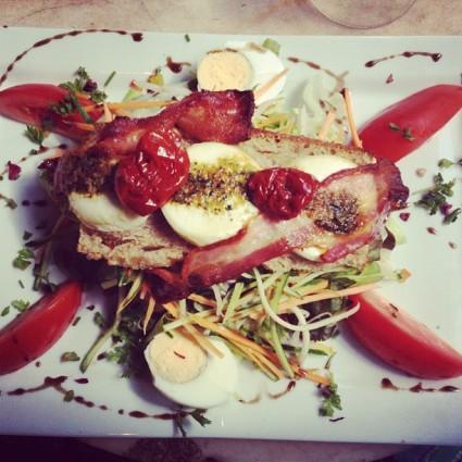 Goat Cheese salad Paris Cafe Lezard