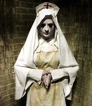 manoir paris scary Halloween