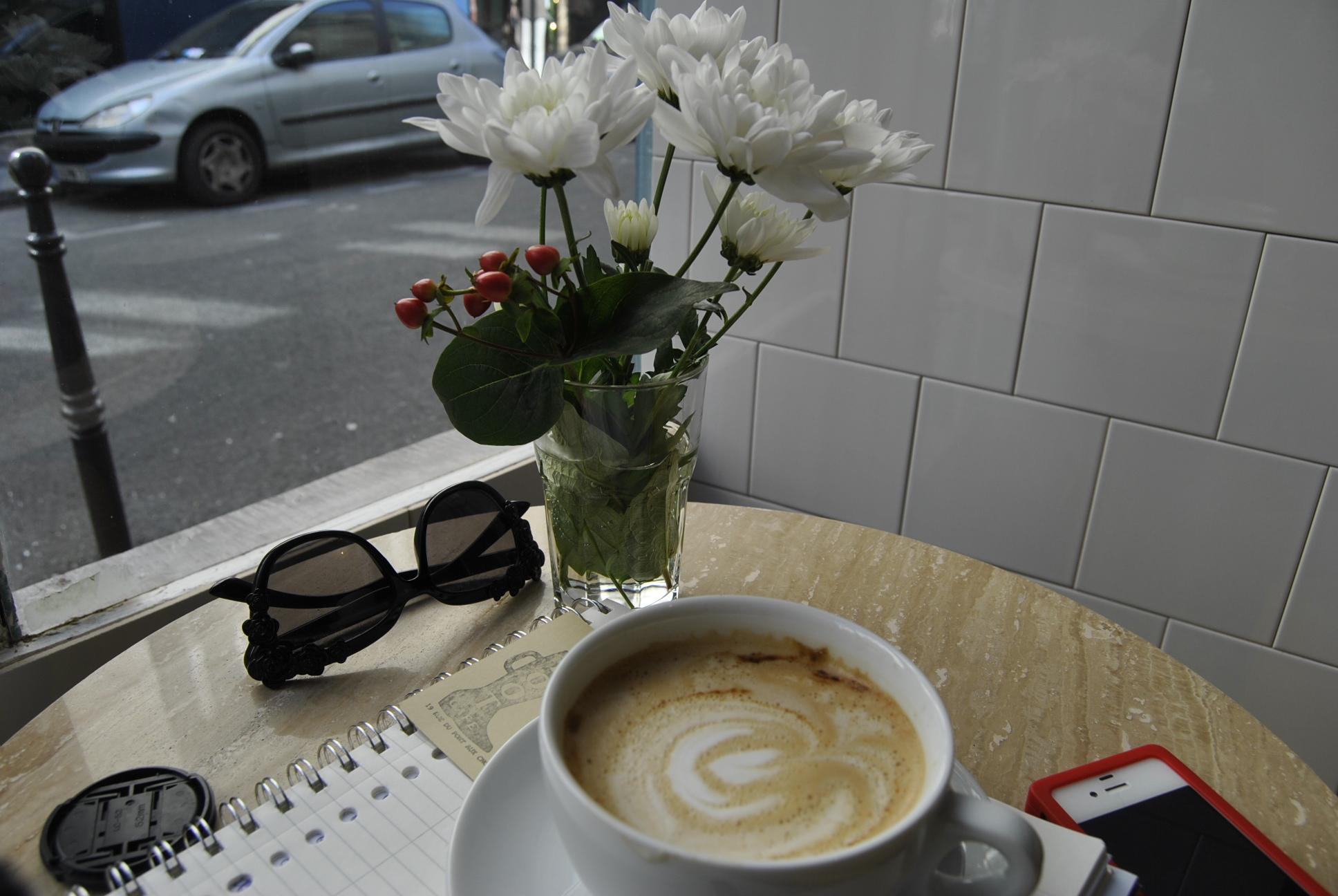 cafe corner boots paris