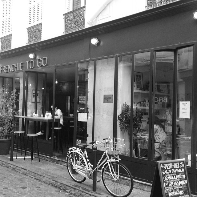 frenchie to go paris review picnic