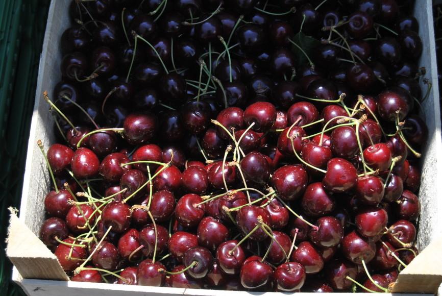 cherries fruits berlin market