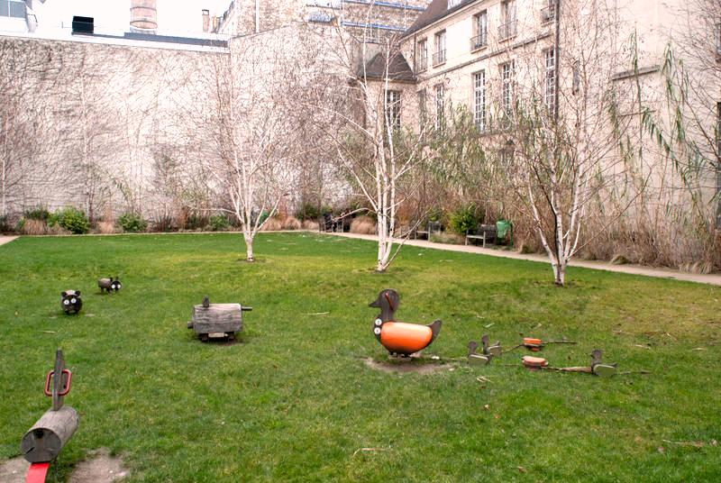 jardin des Rosiers paris easter