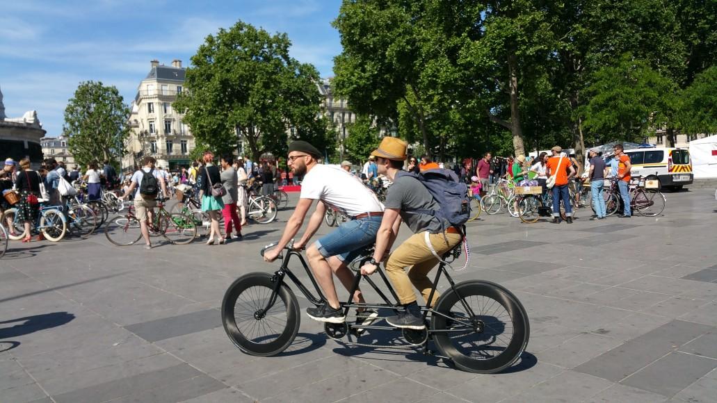 14 ride beret baguette vintage bicycle pais1