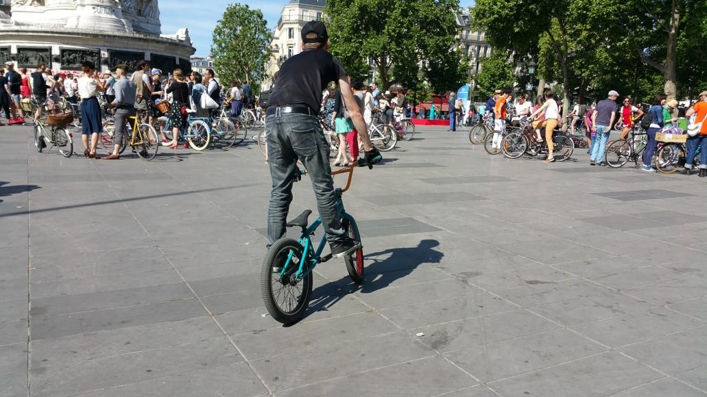 15 ride beret baguette vintage bicycle pais1