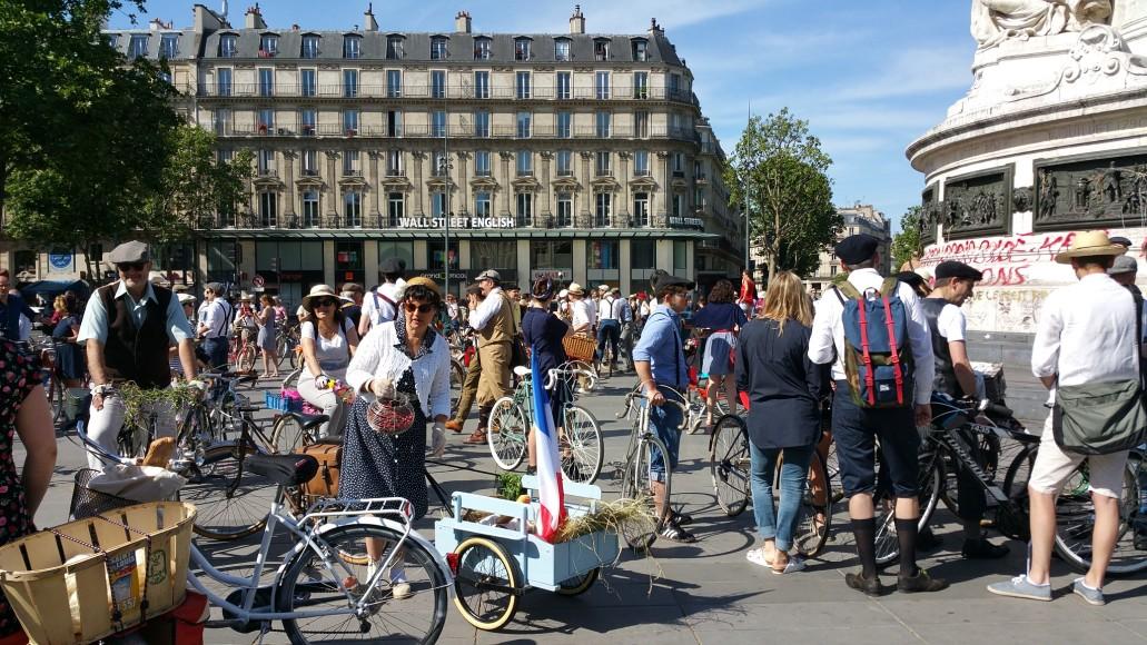 7 ride beret baguette vintage bicycle pais1
