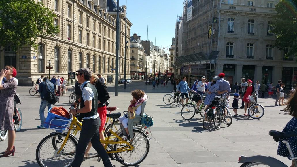 8 ride beret baguette vintage bicycle pais1