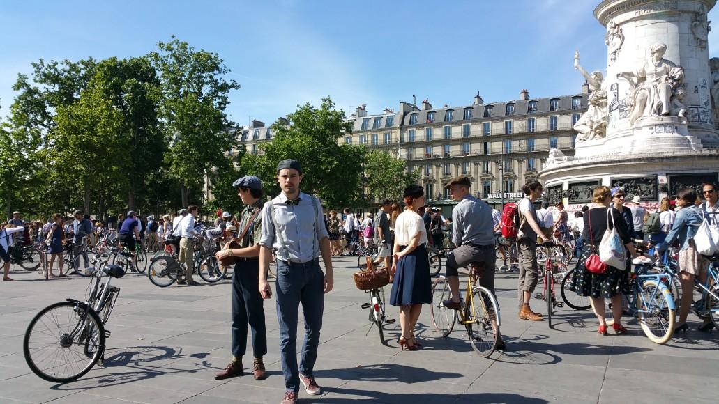 9 ride beret baguette vintage bicycle pais1