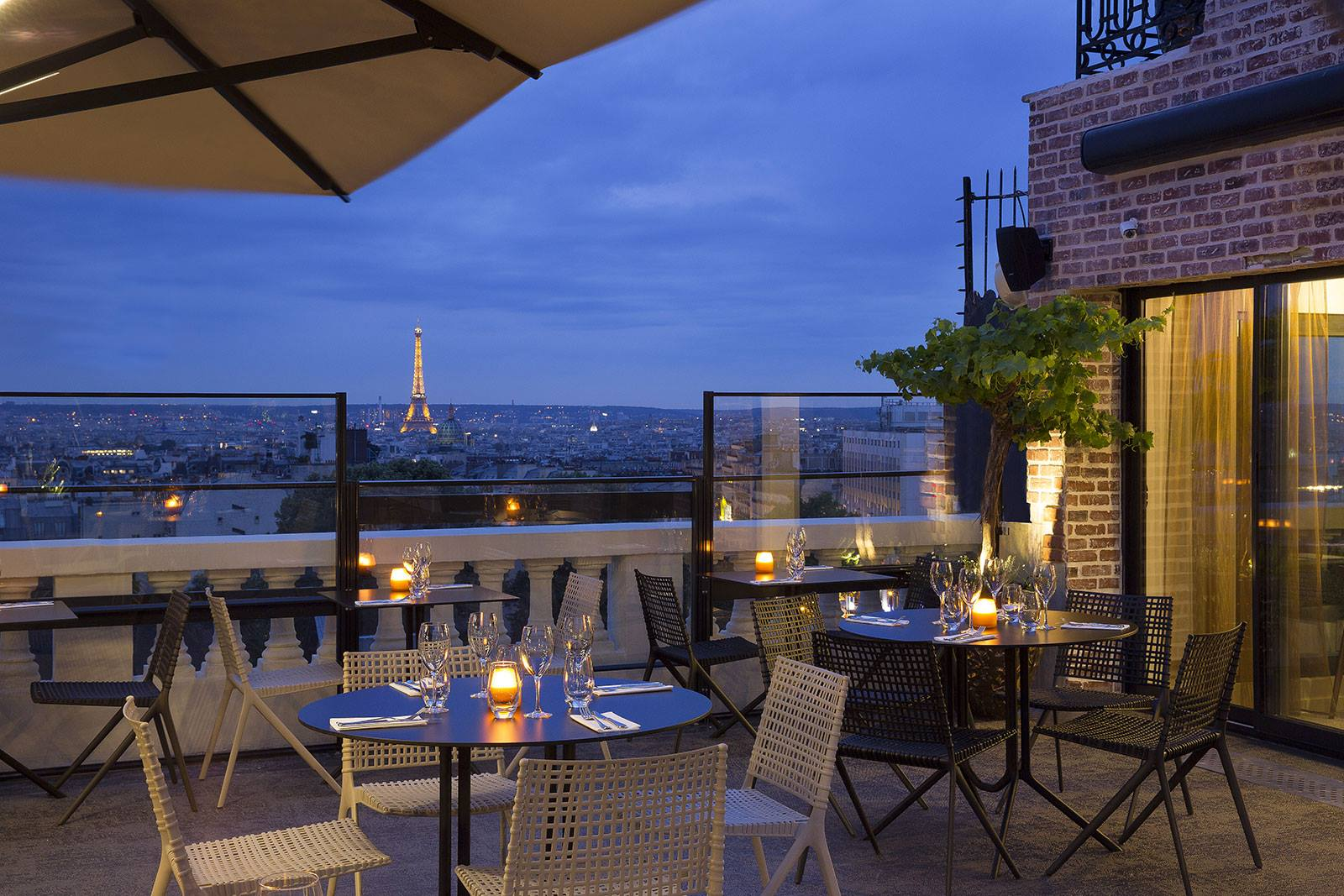 Terrass Hotel Eiffel TOwer view paris