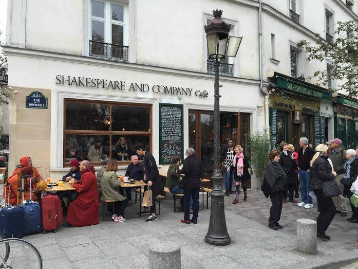 paris coffee shop Shakespeare and Company