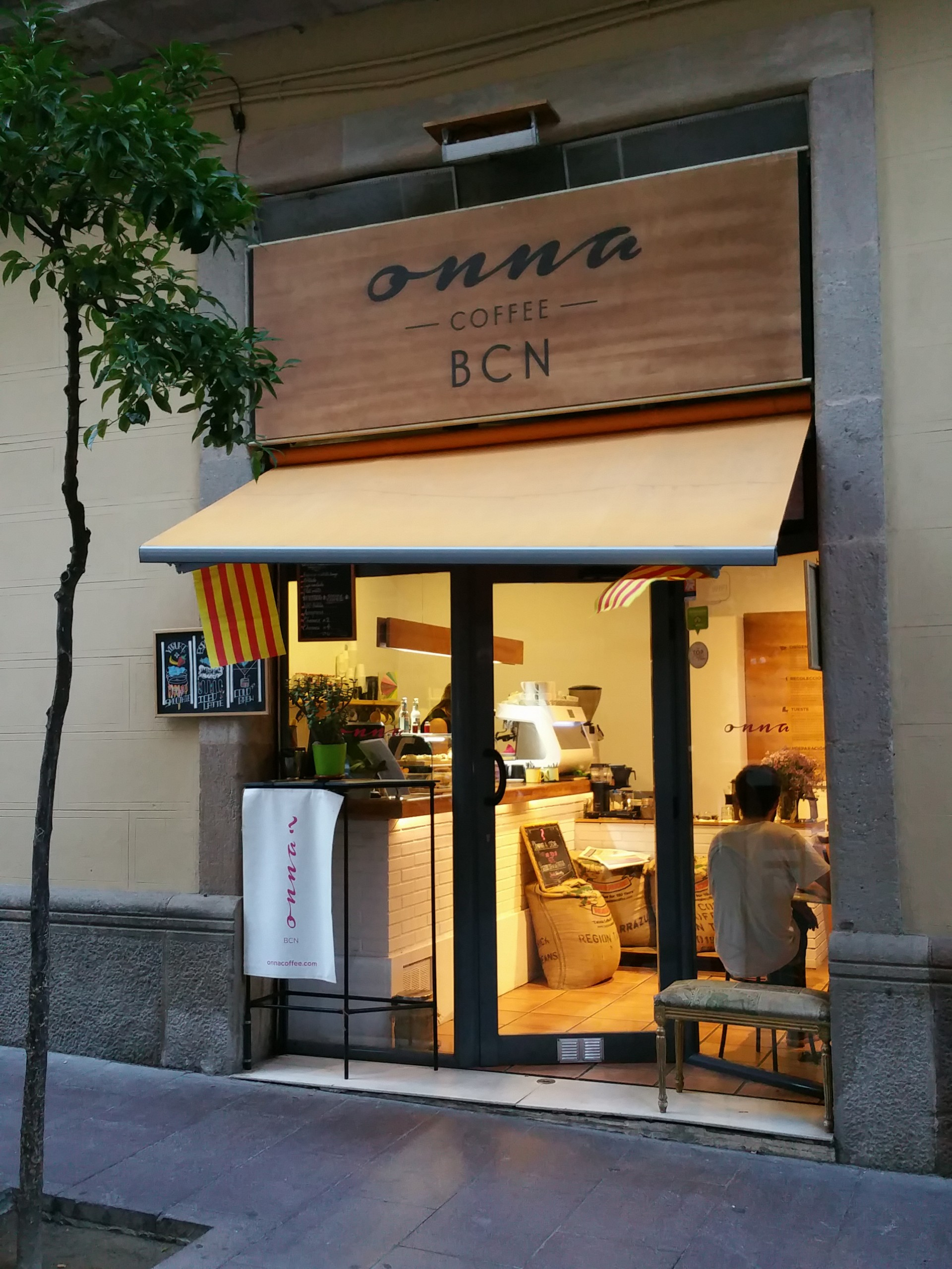 onna coffee shop guide best of barcelona