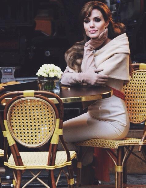 the tourist angelina joli paris restaurant