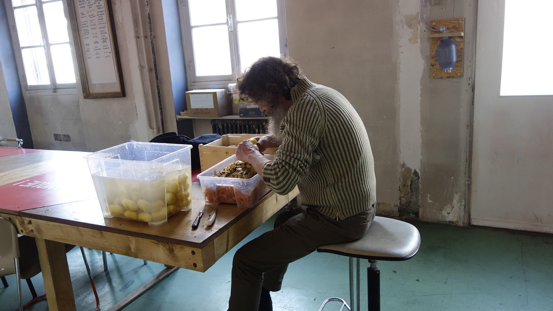 volunteer old guy paris la lingerie coop