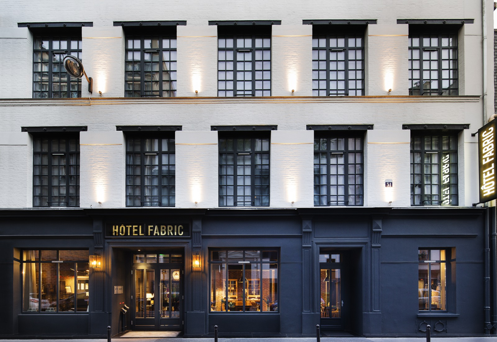 Stay in paris fabric hotel 75011 trendy oberkampf area for Hotel jardins paris