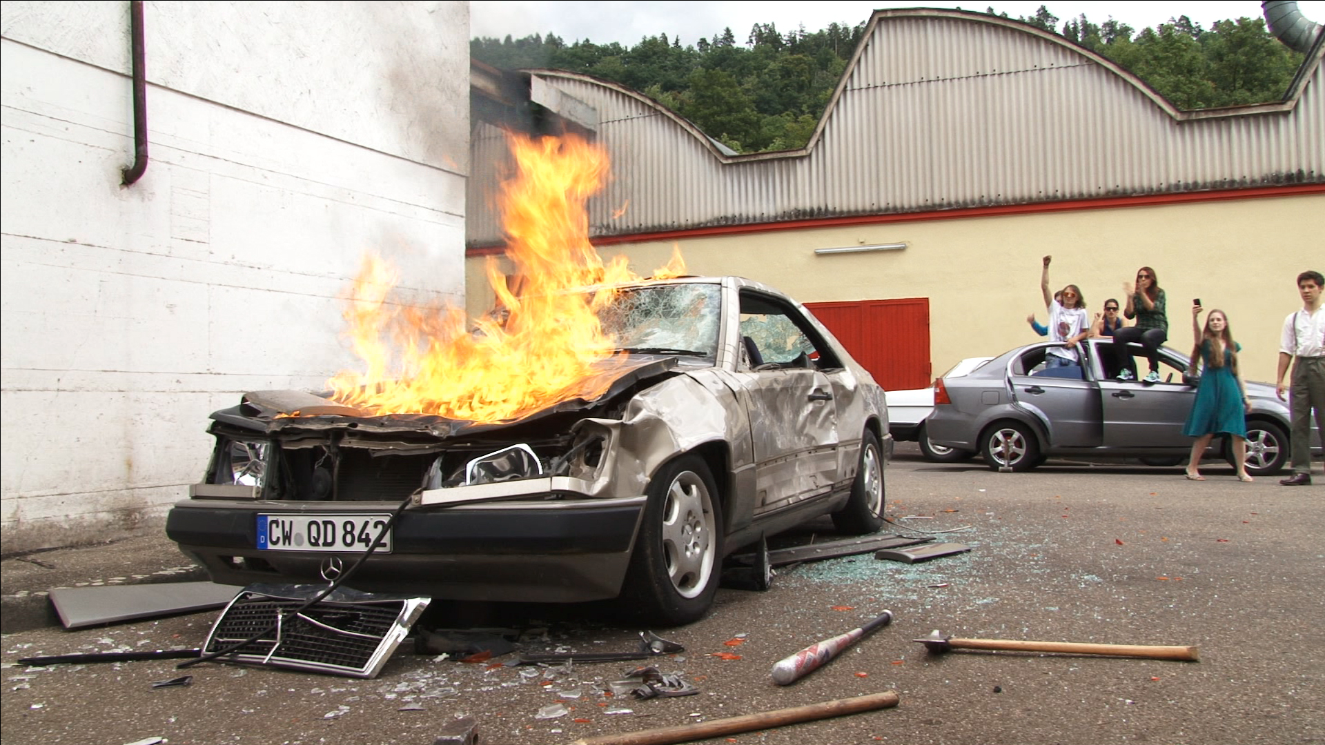 timeless_tuschinski_car_burning
