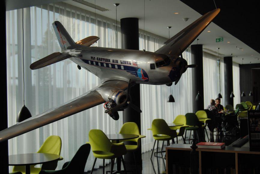 decor-citizen-m-paris-cool-airport-hotel