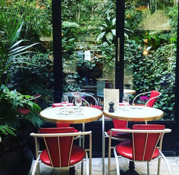 paris-style-brunch-place-hotel-amour