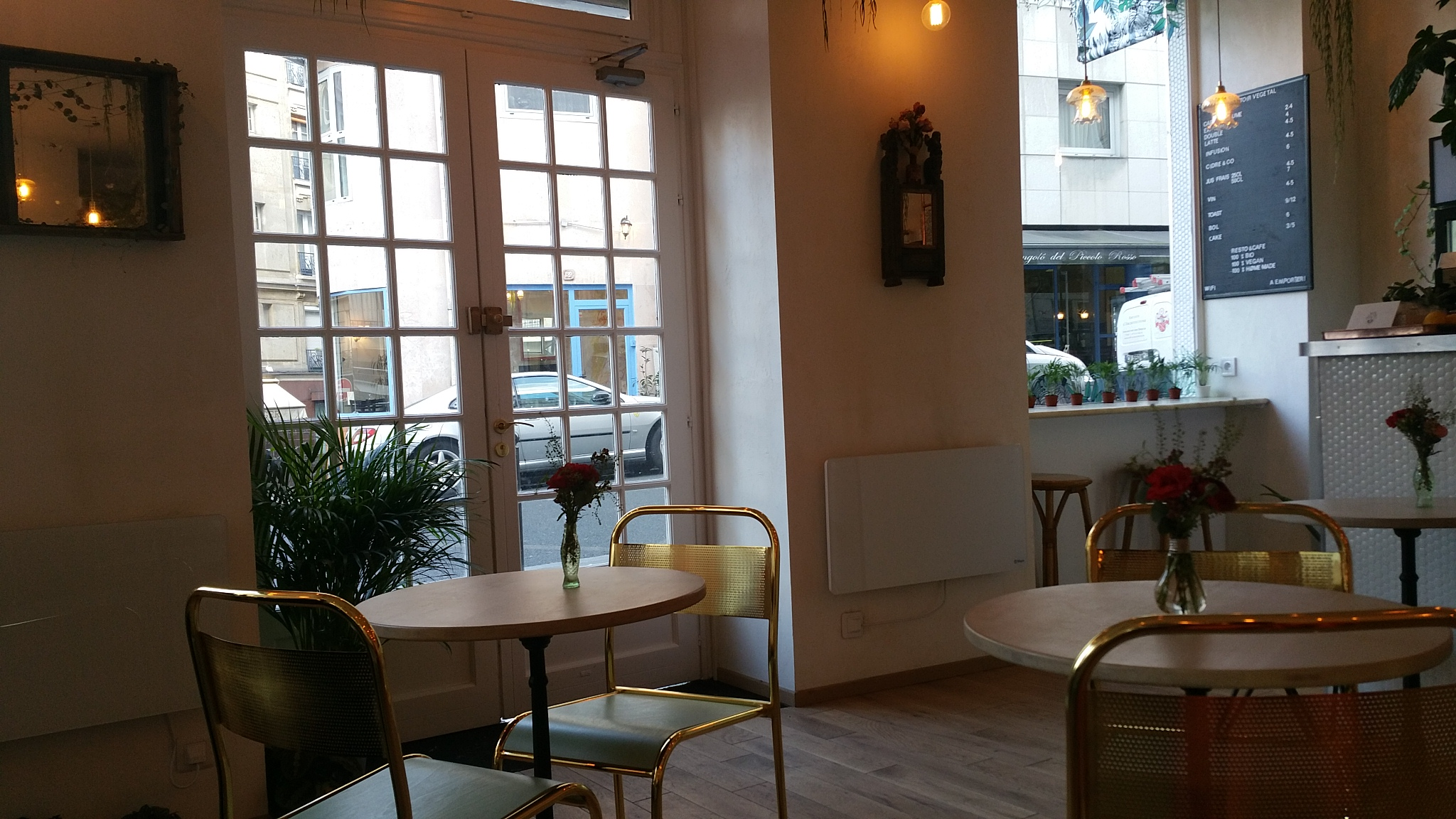abbatoir-vegetal-coffee-shop-vibes-eat-in-paris-vegan