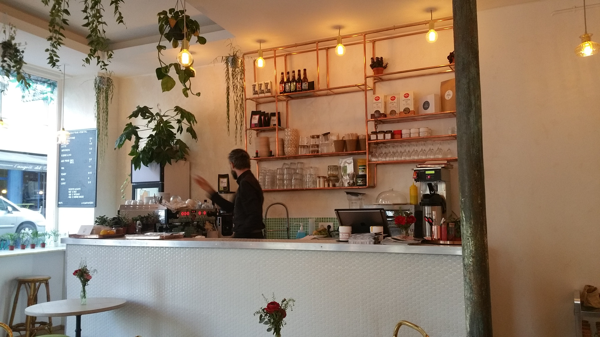 vegan-in-paris-restaurant-abbatoir-vegetal