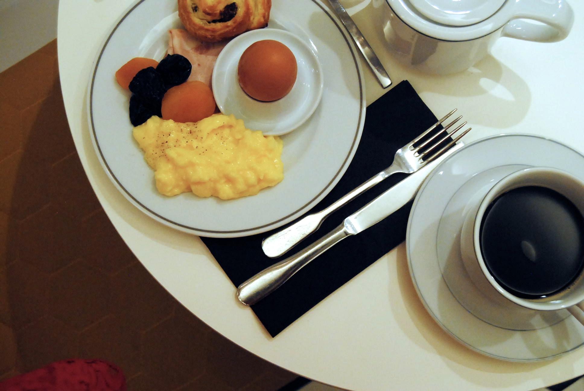 best hotel breakfast paris