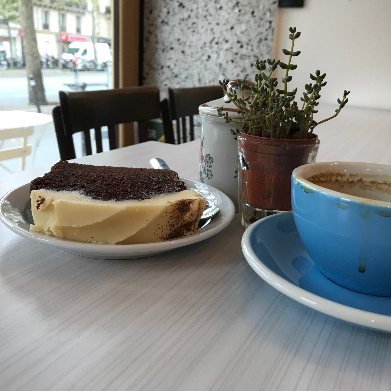 neighbours paris coffee shop